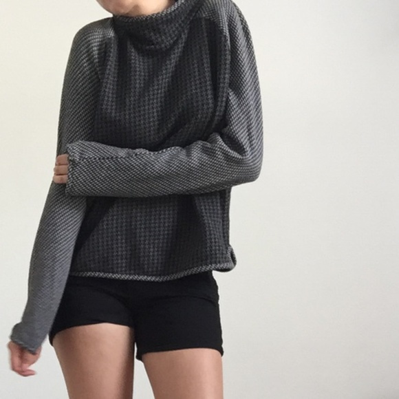 Lou & Grey Tops - Lou & Grey Houndstooth Pullover Top